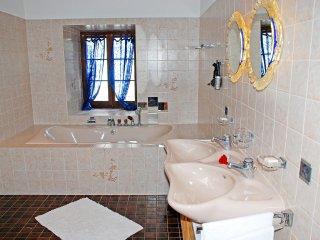 3 bedroom Villa in Cabbio, Ticino, Switzerland : ref 5533083