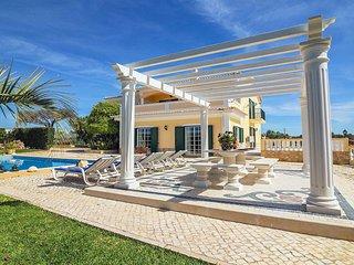 4 bedroom Villa in Branqueira, Faro, Portugal : ref 5533048
