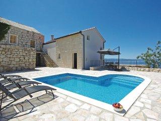2 bedroom Villa in Makarska, Splitsko-Dalmatinska Zupanija, Croatia : ref 552186