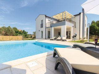 4 bedroom Villa in Stinjan, Istria, Croatia : ref 5520757
