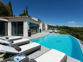 5 bedroom Villa in Grimaud, Provence-Alpes-Cote d'Azur, France : ref 5513069