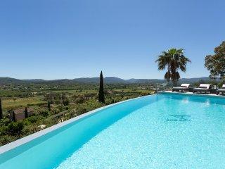 5 bedroom Villa in L'Avelan, Provence-Alpes-Cote d'Azur, France - 5513069
