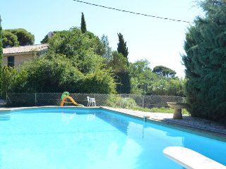 3 bedroom Villa in Saint-Cyr-sur-Mer, Provence-Alpes-Cote d'Azur, France : ref