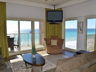 Hard-to-find Gulf & beach front 3 BR w/2 pools, bunkbeds, direct beach access
