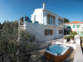 ***Luxury sea view Villa with outdoor Jacuzzi***