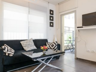 BY31 - Cosy 1 BR with terrace - Ben Yehuda/Bogrash