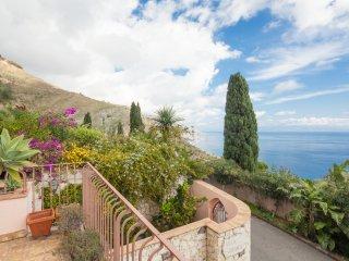Taormina Villa Galante, appartamento vista mare una camera da letto