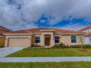 (4095-SOLT) Solterra Resort 4 Bed 3 Bath, Clubhouse, Resort Pool & Cabanas