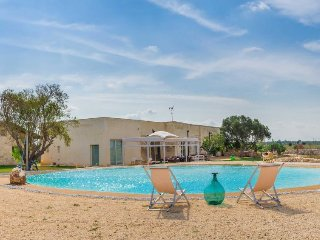 5 bedroom Villa in Zona Erchie Piccolo, Apulia, Italy : ref 5343899