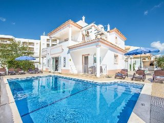 4 bedroom Villa in Galé, Faro, Portugal : ref 5334363