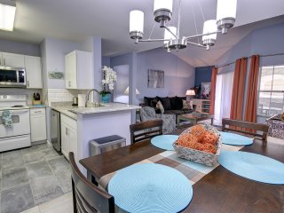 Avalon BLUE HEAVEN : Newly renovated one bedroom!