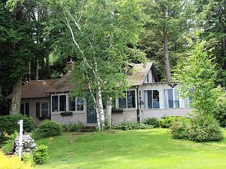Amazing Views at this Winnipesaukee WF (LAN122Wf)