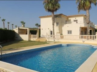 Stunning 3 bedroom villa with large private pool