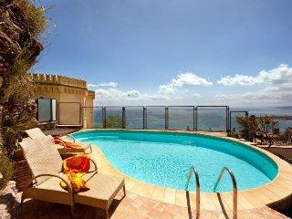5 bedroom Villa in Taormina, Sicily, Italy : ref 5218212