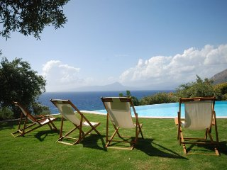 Maratea Villa Sleeps 12 with Pool and WiFi - 5218127