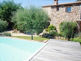 Villa de prestige piscine chauffee pres des plages Santa Giulia et Palombaggia