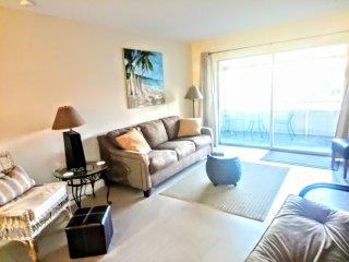 Tropical Dreams New tile & granite 2 new king beds, HugeLanai Near Siesta Key #3