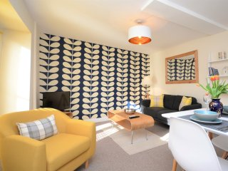 49261 Apartment in Aberaeron