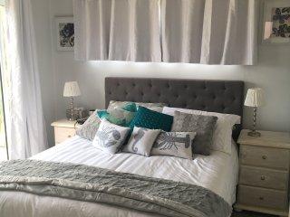 Upstairs Bedroom, TV & DVD Player, Opens onto Balcony, Ocean Views