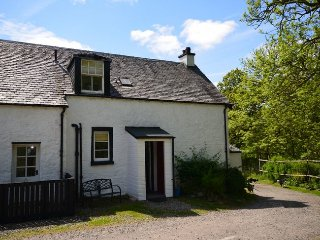 ST51M Cottage in Aberfoyle