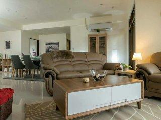 5 Star Hotel Experience Ximen Apartment
