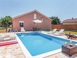 4 bedroom Villa in Alic, Zadarska Zupanija, Croatia : ref 5568281