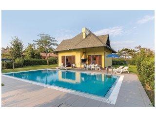4 bedroom Villa in Isola Albarella, Veneto, Italy : ref 5567047