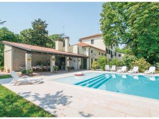6 bedroom Villa in Silea, Veneto, Italy : ref 5566999