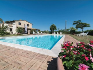 6 bedroom Villa in Coldipozzo, Umbria, Italy : ref 5566965