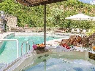 6 bedroom Villa in Pieve Pontenano, Tuscany, Italy : ref 5566810