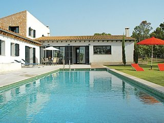 4 bedroom Villa in Lloret de Vistalegre, Balearic Islands, Spain : ref 5566560