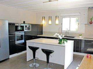 4 bedroom Villa in Roynac, Auvergne-Rhône-Alpes, France : ref 5565731