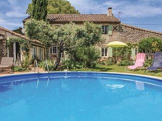 4 bedroom Villa in Saint-Rémy-de-Provence, Provence-Alpes-Côte d'Azur, France :