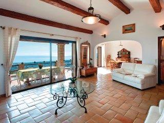 4 bedroom Villa in Mandelieu-la-Napoule, Provence-Alpes-Côte d'Azur, France : re