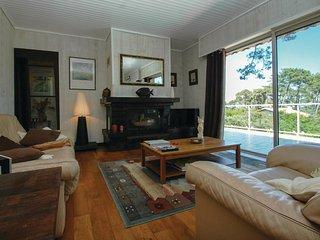 4 bedroom Villa in Le Moutchic, Nouvelle-Aquitaine, France : ref 5565407