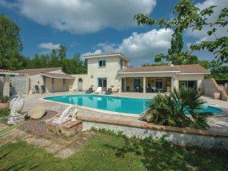4 bedroom Villa in Saint-Vivien-de-Medoc, Nouvelle-Aquitaine, France : ref 55654