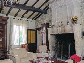 4 bedroom Villa in Saint-Vivien-de-Médoc, Nouvelle-Aquitaine, France : ref