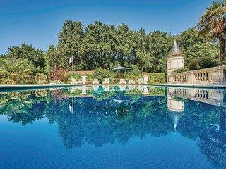 4 bedroom Villa in Saint-Vivien-de-Medoc, Nouvelle-Aquitaine, France : ref 55653