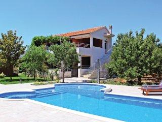5 bedroom Villa in Divulje, Splitsko-Dalmatinska Zupanija, Croatia : ref 5565320