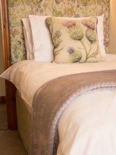 Trough Cottage Luxury Single Bedroom