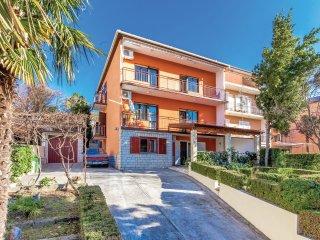5 bedroom Villa in Crikvenica, Primorsko-Goranska Županija, Croatia : ref 556489