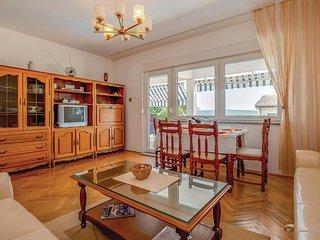 4 bedroom Villa in Dramalj, Primorsko-Goranska Županija, Croatia : ref 5564845
