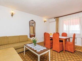 6 bedroom Villa in Klanfari, Primorsko-Goranska Županija, Croatia : ref 5564827
