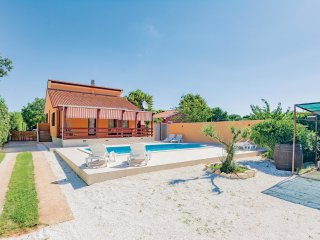 3 bedroom Villa in Sisan, Istria, Croatia : ref 5564808
