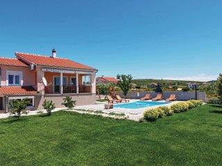 3 bedroom Villa in Debeljak, Zadarska Zupanija, Croatia : ref 5563856