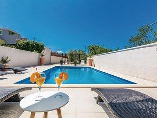 4 bedroom Villa in Zaton Obrovacki, Zadarska Zupanija, Croatia : ref 5563835