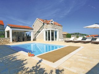 3 bedroom Villa in Betina, Sibensko-Kninska Zupanija, Croatia : ref 5563790