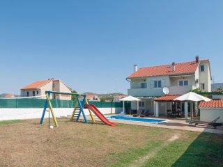 4 bedroom Villa in Dubrava, Sibensko-Kninska Zupanija, Croatia : ref 5563749