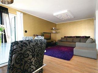 3 bedroom Villa in Šibenik, Šibensko-Kninska Županija, Croatia : ref 5563723