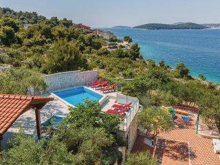 8 bedroom Villa in Ražanj, Šibensko-Kninska Županija, Croatia : ref 5563716